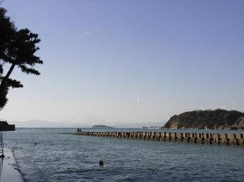 2010.1.02_正月逗子海岸.jpg
